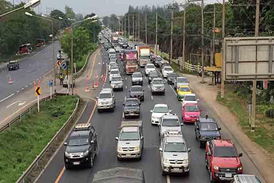 Traffic jam at Vibhavadi one